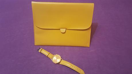 Listova kabelka a hodinky,