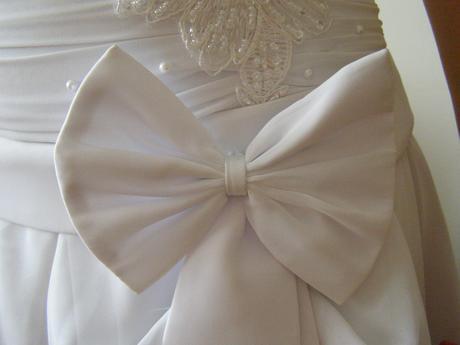 Snehobiele princeznovské svadobné šaty, 38