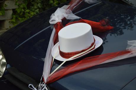Ozdoby auta nevěsta a ženich bílá-bordó,
