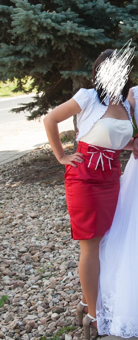 Bílo-červené koktejlové šaty , 38