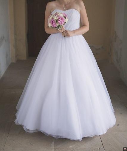 Svatební šaty s jemným zdobením zn. Sposa toscana, 36