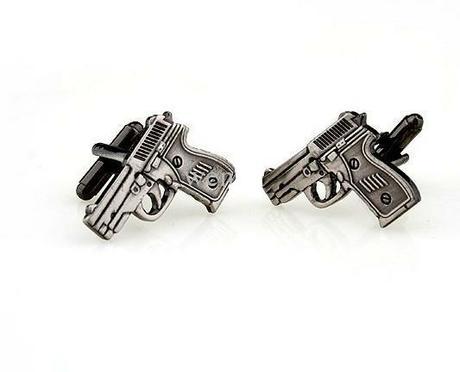 Manžetové knoflíčky pro vášnivého pistolníka,