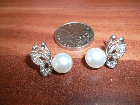 Nášnice motýlkové s bílou perličkou,