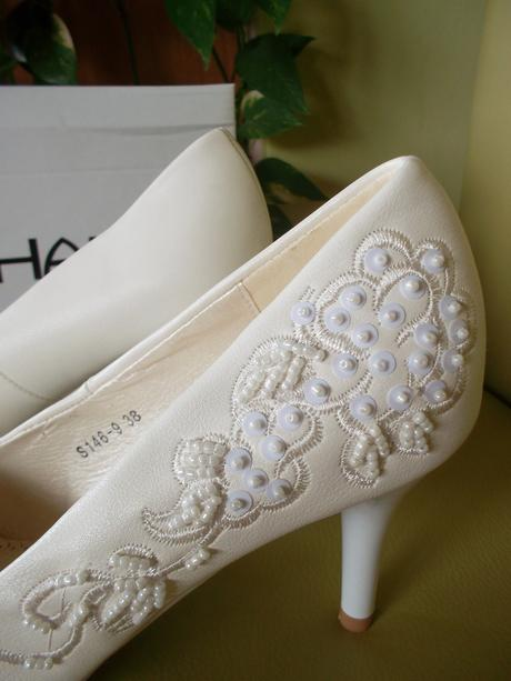 Svatební střevíčky značky Stephan - smetanově bílé, 37