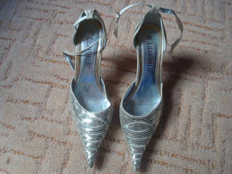 Zlaté topánočky, 37