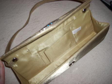 Zlatá kabelka s kamienkami, M