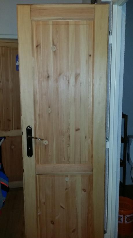 interiérové borovicové dvere,