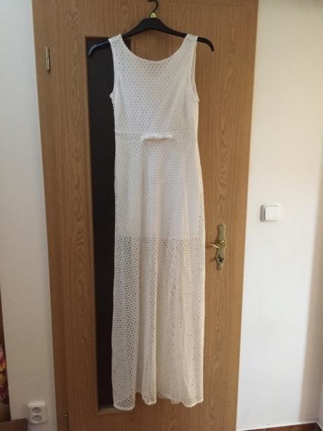 Dlouhé bílé šaty b30e6f4935