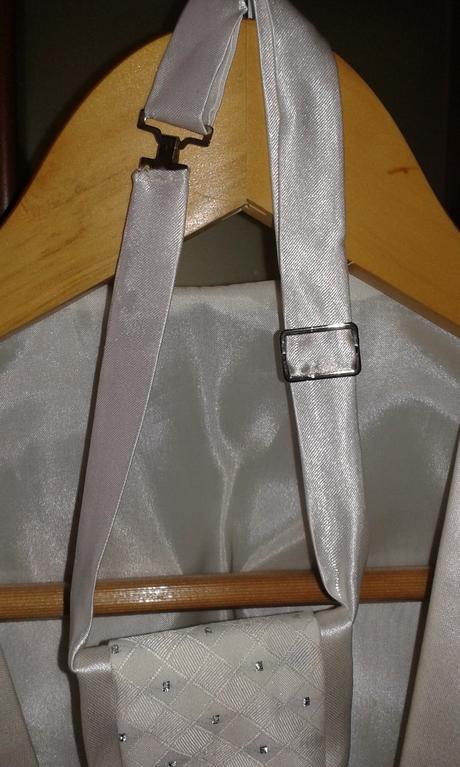 svadobna vesta s kravatou, 52