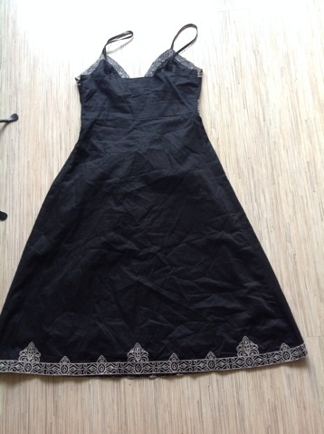 Šaty s výšivkou Atmosphere, 36