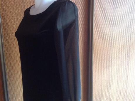 Zamatové šaty s priesvitnými rukávmi New look, 38