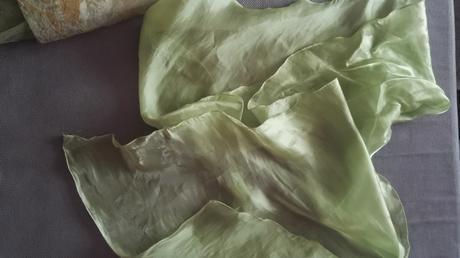 Krátke šaty s tylom, 38