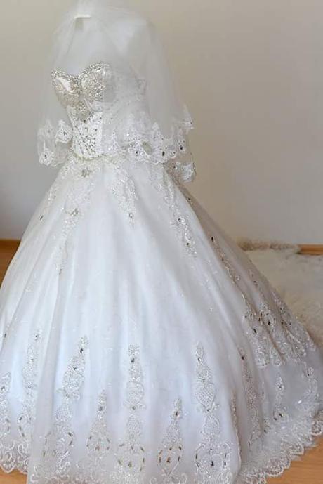 Luxusnè ručne vyšívane svadobnè šaty, 36