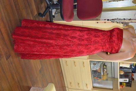 čipkované červené šaty, 34