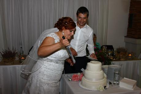 svadobné šaty s vlečkou , 48