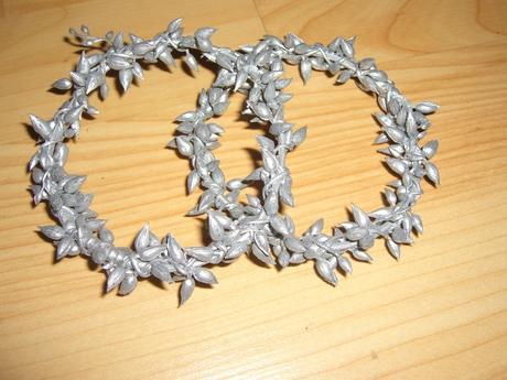 Stříbrný vánoční věneček-dekorace na svíčku,