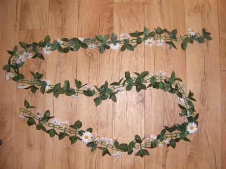umělá květina,kopretiny,řetěz,kopretina+listy,