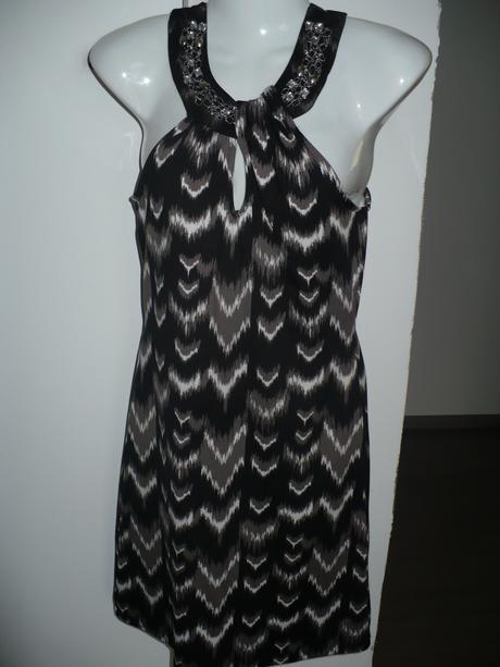 Strakaté šaty, 38
