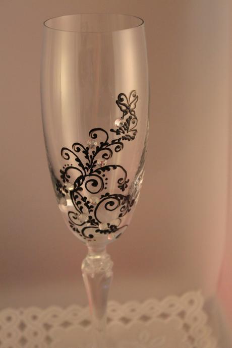 Poháre na šampanské B&W Motýlik,