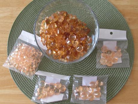 Mix zlatých kamínků,