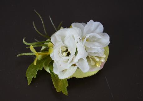 Drobné květinové skřipečky do účesu,