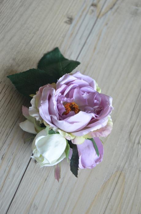 Fialovo-bílé růžičky,