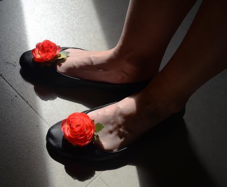 Květinové klipsy na boty - barva na přání,