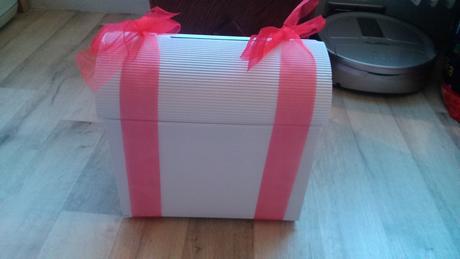 papírová truhlička na svatební přání,