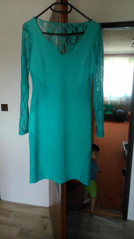Tyrkysové společenské šaty, 42