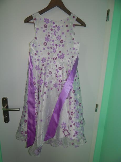 Dievčenské šaty vel. 146-152, 146