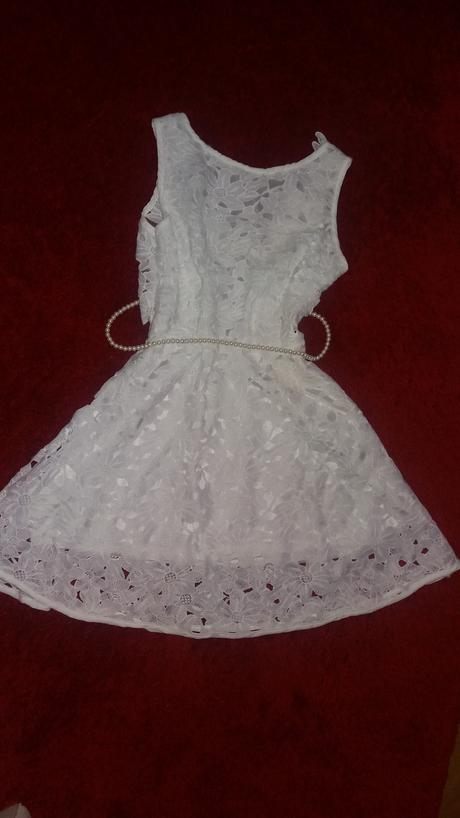 Krajkové krátké šaty, 38