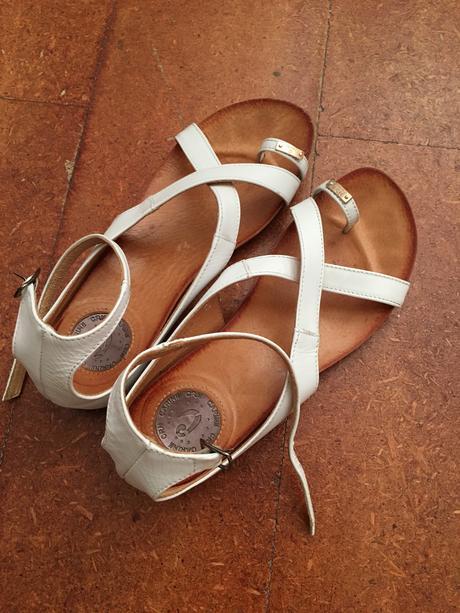 kožené sandálky Carinni, 39