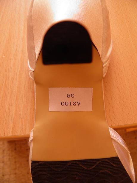bílé botičky, 38