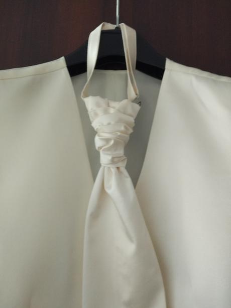 Svadobná vesta ženích, 46