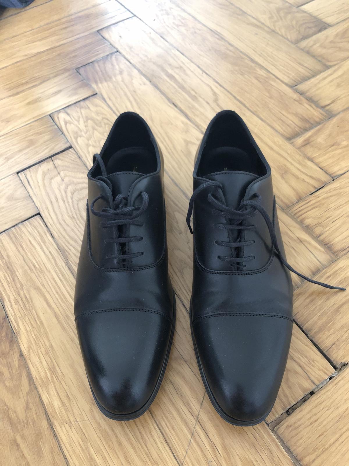 552f413973 Společenské boty k obleku zara