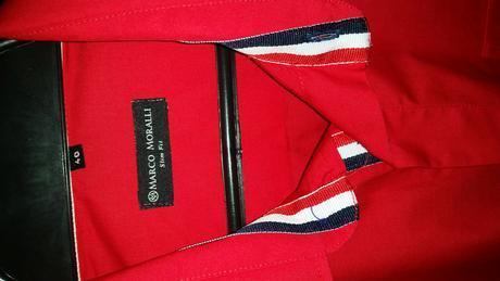 červená košeľa, 40