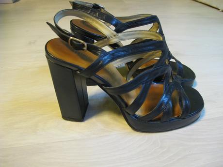 Tmavě modré sandálky na vysokém podpatku, 36