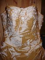 nepoužité šaty svatební nebo plesové-  sleva, 40