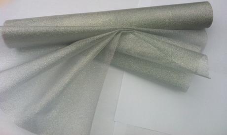 Metalická organza - stříbrná,