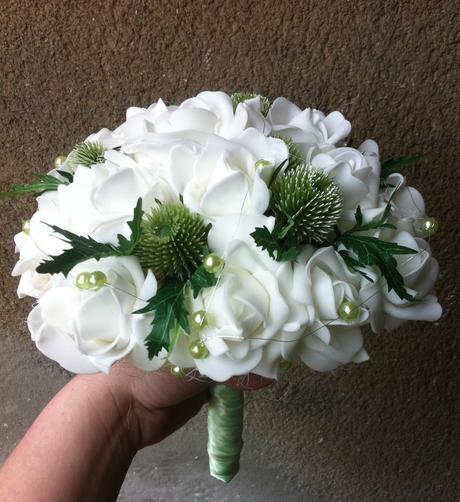 Svatební kytice + korsáž-zelený bodláček,