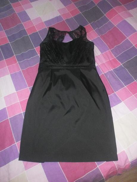 Čierne elegantné šaty, 42
