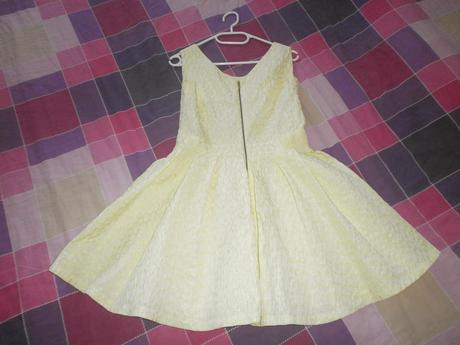Žlté pohodlné šaty, 38