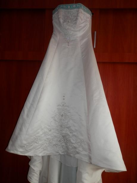 šaty s dlhou vlečkou velkost 38-40, 38