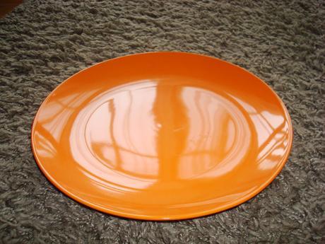 dekoračny tanier,