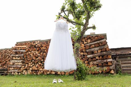 Nádherné tylové svadobné šaty, 40