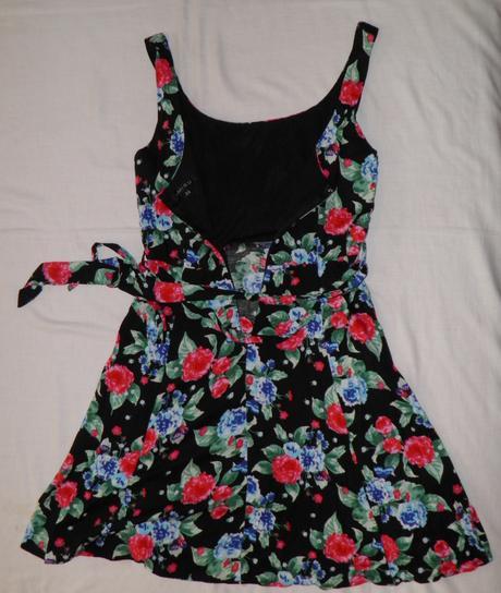 Dámske letné šaty AMISU, 34