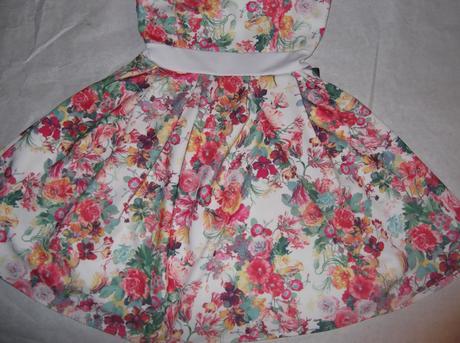 Nenosené kvetinkové šaty , 34
