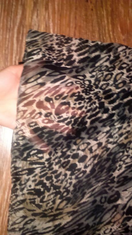 Tigrované šaty s kamienkovou aplikáciou, 36