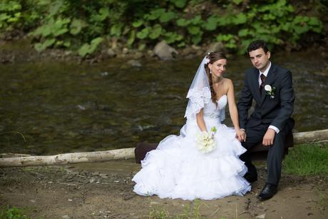 Svadobné šaty + španielsky závoj, spodnička , 38