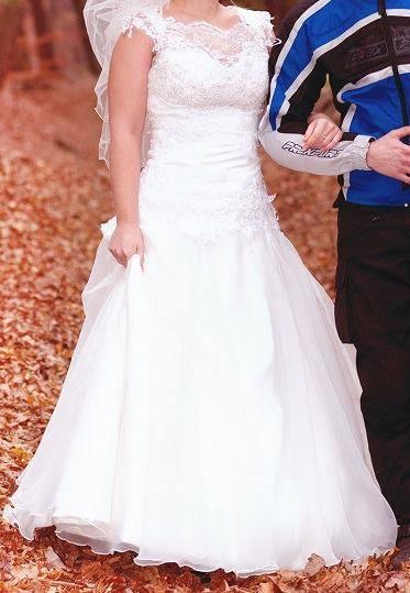 svagrina predava svoje svadobne saticky , 38